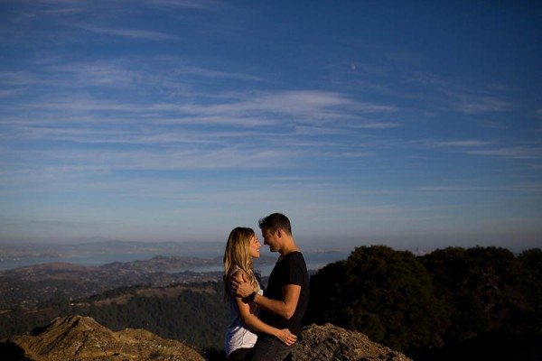 Cozy-Anniversary-Photo-Shoot-at-Mount-Tamalpais-Dustin-Cantrell-6