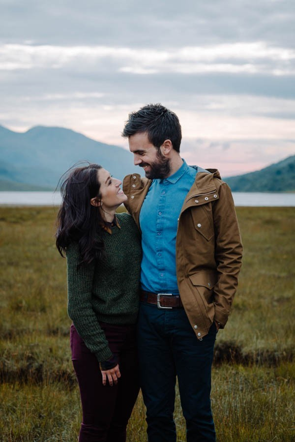 Earthy-Fall-Engagement-Photos-at-Loch-Etive-in-Scotland-Claire-Juliet-Paton-067-600x899