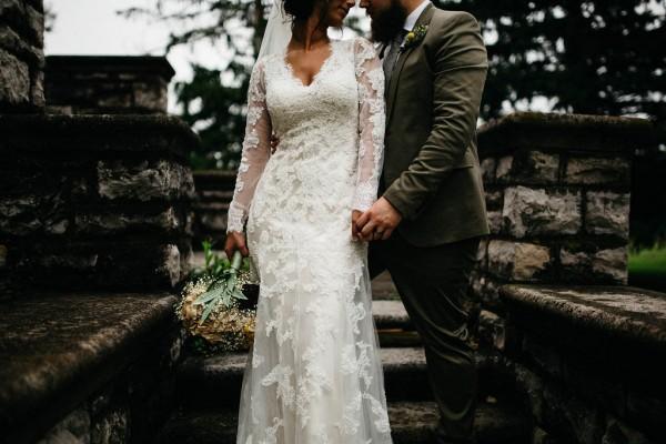 Free-Spirited-Ohio-Wedding-at-Ohio-Memorial-Chapel (23 of 31)