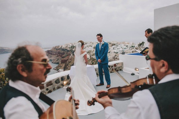 Greek-Destination-Wedding-at-the-Ikies-Traditional-Houses-Elianos-Photography-5