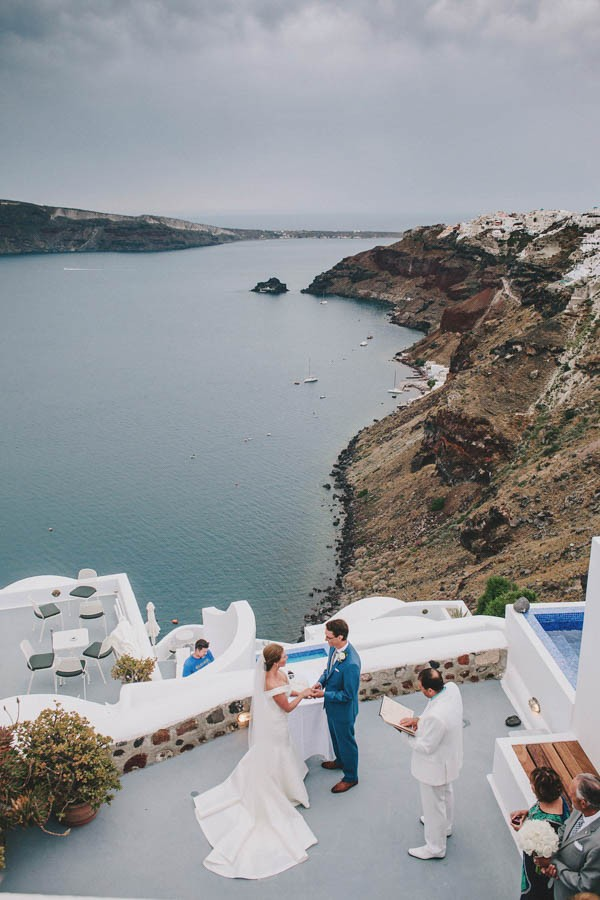 Greek-Destination-Wedding-at-the-Ikies-Traditional-Houses-Elianos-Photography-8