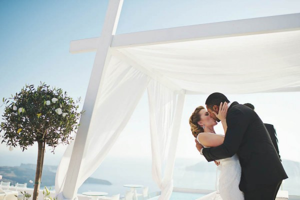 Romantic-Santorini-Destination-Wedding-at-La-Maltese-Thanasis-Kaiafas (20 of 28)