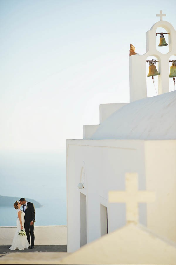 Romantic-Santorini-Destination-Wedding-at-La-Maltese-Thanasis-Kaiafas (23 of 28)