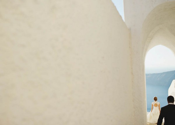 Romantic-Santorini-Destination-Wedding-at-La-Maltese-Thanasis-Kaiafas (24 of 28)