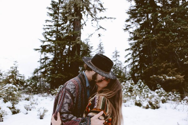 Snowy-Couple-Session-at-Mt-Baker-Alexandra-Celia-19