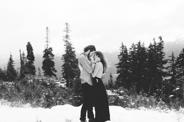Snowy-Couple-Session-at-Mt-Baker-Alexandra-Celia-26