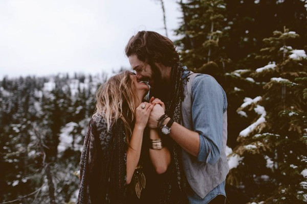 Snowy-Couple-Session-at-Mt-Baker-Alexandra-Celia-5