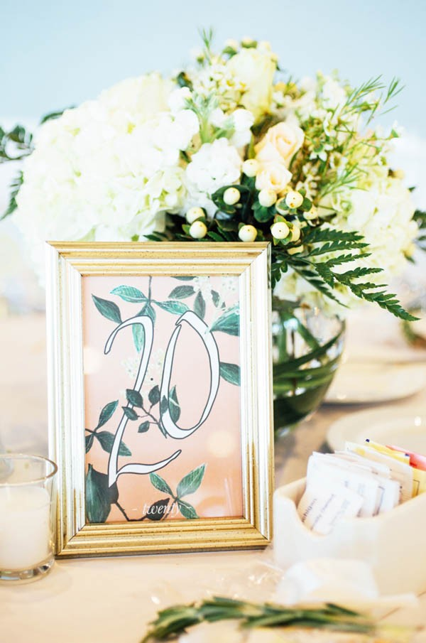 Sophisticated-Michigan-Wedding-at-the-Grosse-Pointe-War-Memorial-Julie-Pepin-Photography-12