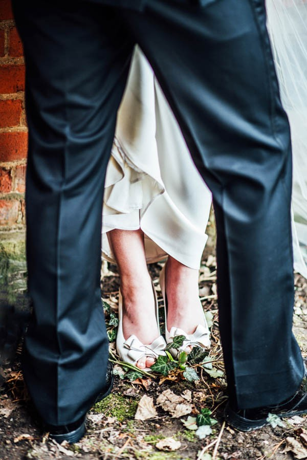 Sophisticated-Michigan-Wedding-at-the-Grosse-Pointe-War-Memorial-Julie-Pepin-Photography-16