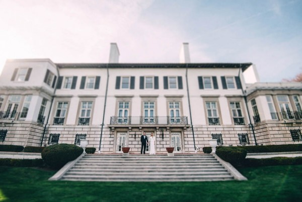 Sophisticated-Michigan-Wedding-at-the-Grosse-Pointe-War-Memorial-Julie-Pepin-Photography-2