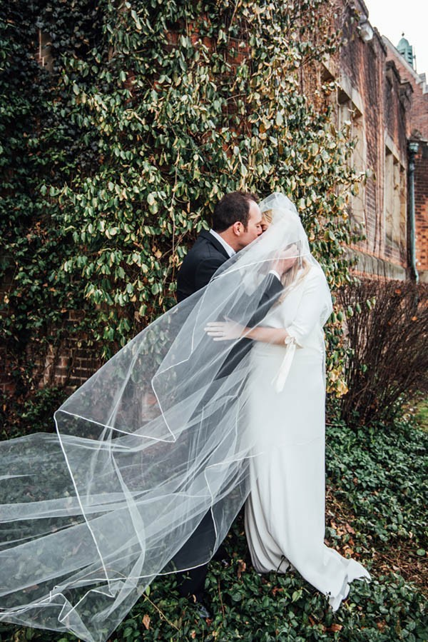 Sophisticated Michigan Wedding At The Grosse Pointe War