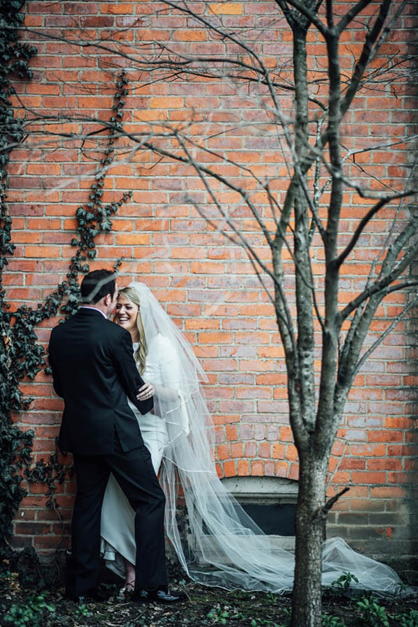 Sophisticated-Michigan-Wedding-at-the-Grosse-Pointe-War-Memorial-Julie-Pepin-Photography-30