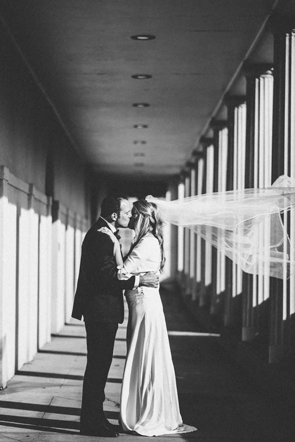 Sophisticated-Michigan-Wedding-at-the-Grosse-Pointe-War-Memorial-Julie-Pepin-Photography-31