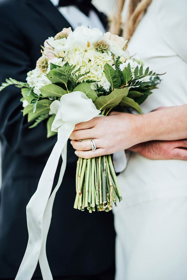 Sophisticated-Michigan-Wedding-at-the-Grosse-Pointe-War-Memorial-Julie-Pepin-Photography-32