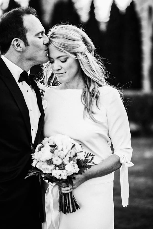 Sophisticated-Michigan-Wedding-at-the-Grosse-Pointe-War-Memorial-Julie-Pepin-Photography-34