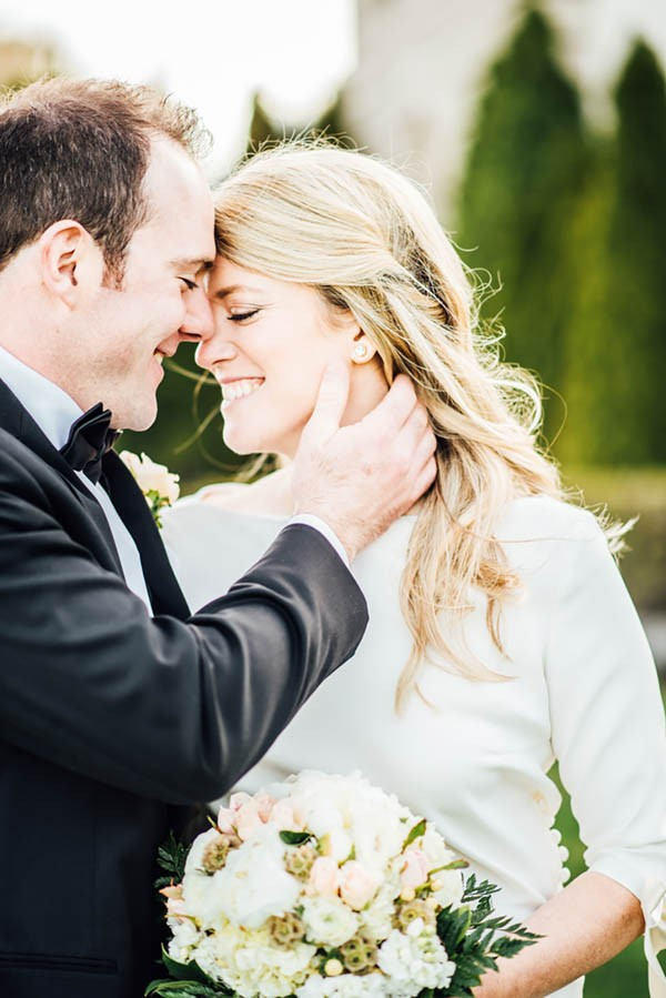 Sophisticated-Michigan-Wedding-at-the-Grosse-Pointe-War-Memorial-Julie-Pepin-Photography-35
