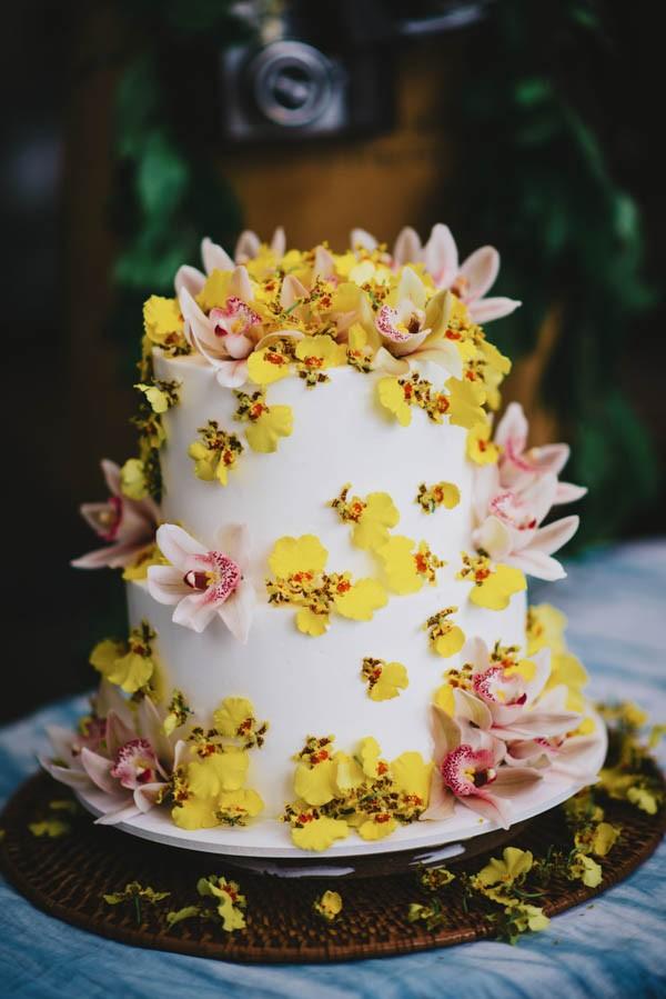Vintage Hawaiian Wedding Inspiration at Hound Quail Junebug