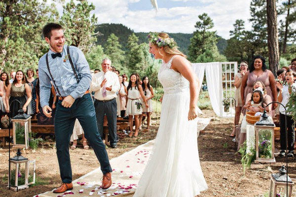 Woodland-Bohemian-Wedding-at-the-Cabins-at-Strawberry-Hill-Amilia-Photography-11