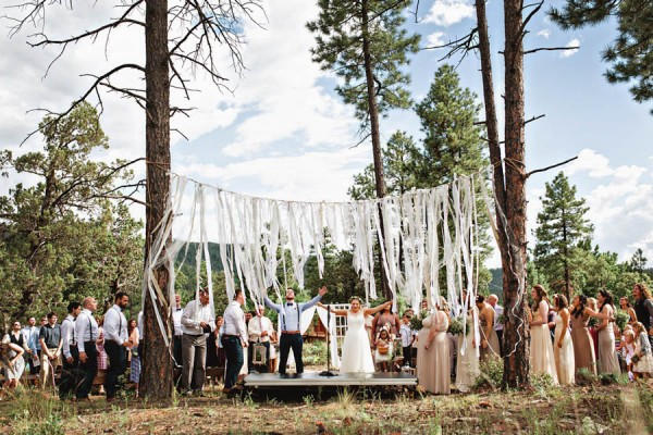 Woodland-Bohemian-Wedding-at-the-Cabins-at-Strawberry-Hill-Amilia-Photography-12