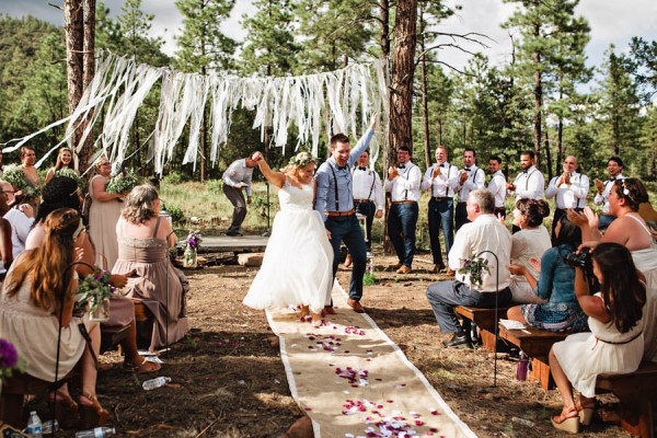 Woodland-Bohemian-Wedding-at-the-Cabins-at-Strawberry-Hill-Amilia-Photography-16