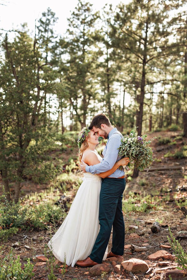 Woodland-Bohemian-Wedding-at-the-Cabins-at-Strawberry-Hill-Amilia-Photography-19