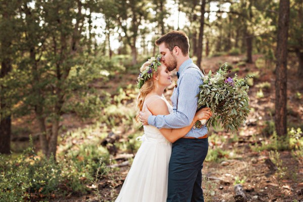 Woodland-Bohemian-Wedding-at-the-Cabins-at-Strawberry-Hill-Amilia-Photography-20