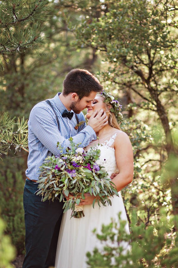 Woodland-Bohemian-Wedding-at-the-Cabins-at-Strawberry-Hill-Amilia-Photography-21