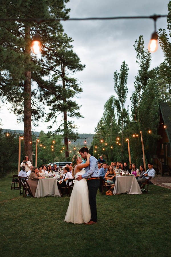 Woodland-Bohemian-Wedding-at-the-Cabins-at-Strawberry-Hill-Amilia-Photography-34