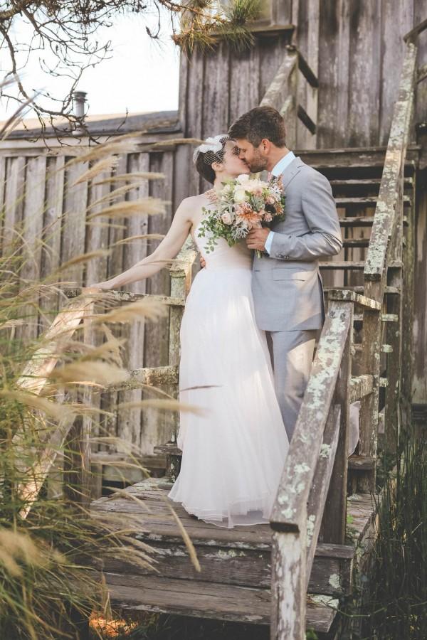 Blush-California-Wedding-at-Manka-Inverness-Lodge (11 of 35)