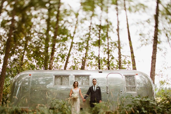 Earthy-Oregon-Wedding-at-Hornings-Hideout-Nakalan-McKay-11
