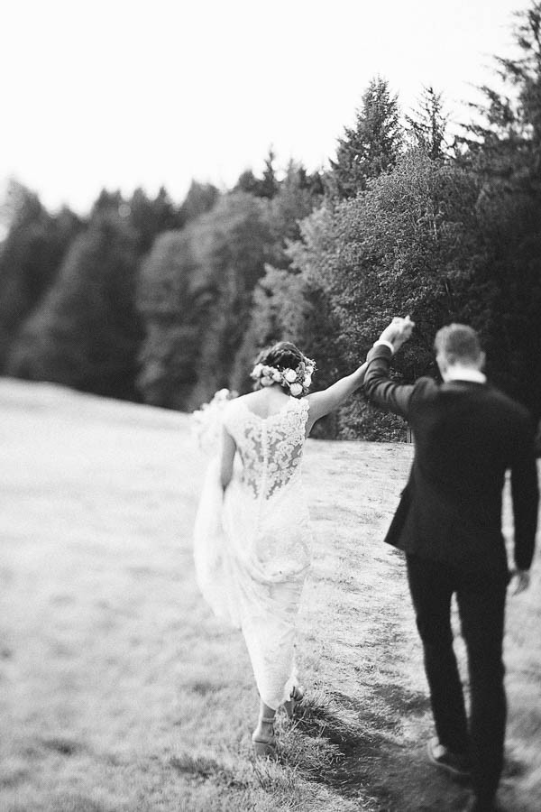 Earthy-Oregon-Wedding-at-Hornings-Hideout-Nakalan-McKay-16