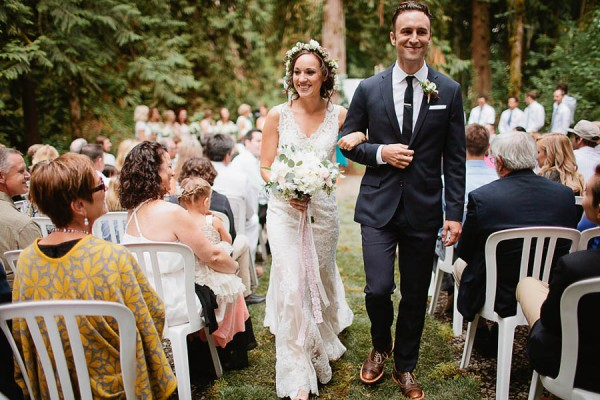 Earthy-Oregon-Wedding-at-Hornings-Hideout-Nakalan-McKay-27