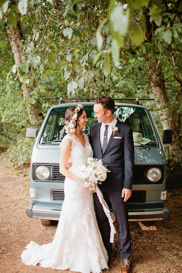 Earthy-Oregon-Wedding-at-Hornings-Hideout-Nakalan-McKay-29