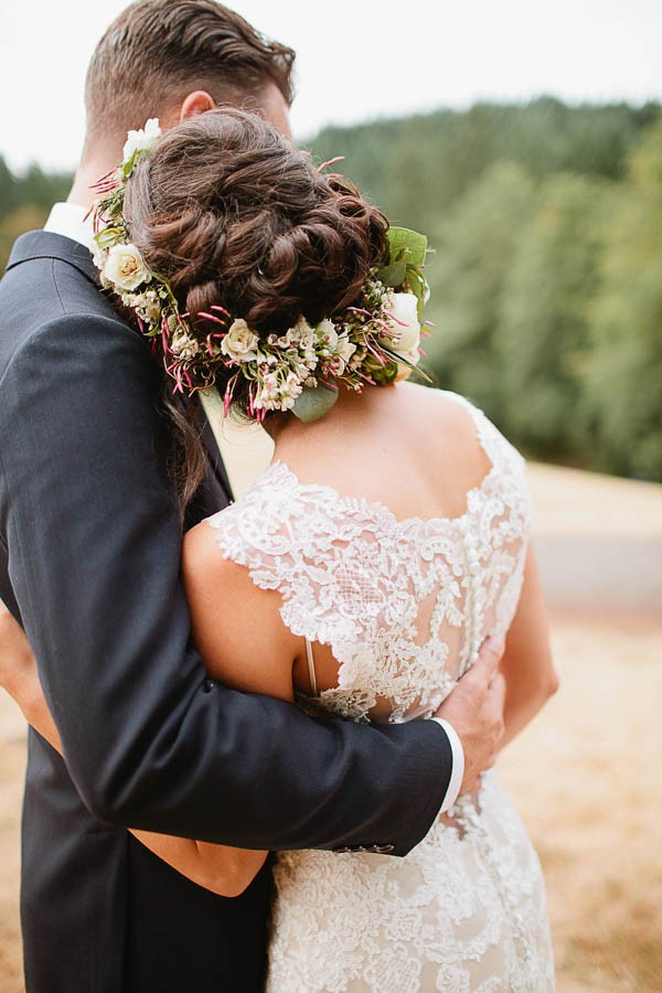 Earthy-Oregon-Wedding-at-Hornings-Hideout-Nakalan-McKay-30