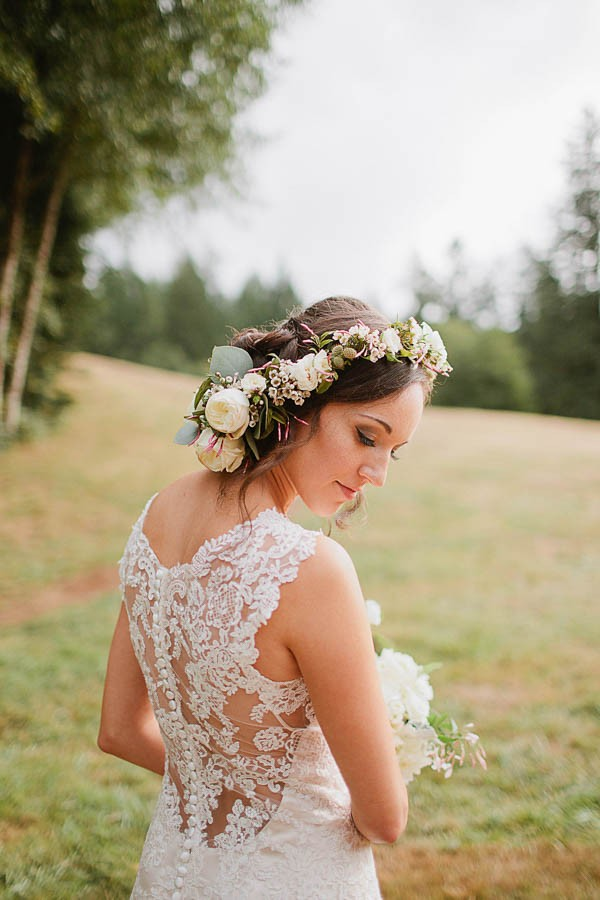 Earthy-Oregon-Wedding-at-Hornings-Hideout-Nakalan-McKay-32