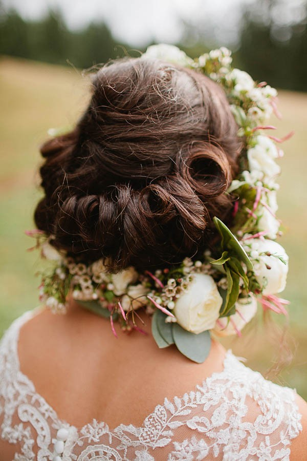 Earthy-Oregon-Wedding-at-Hornings-Hideout-Nakalan-McKay-33