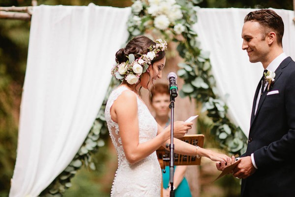 Earthy-Oregon-Wedding-at-Hornings-Hideout-Nakalan-McKay-7