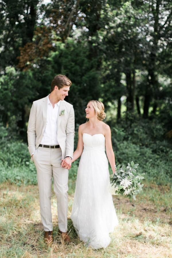 Effortless and Natural Wedding at Milagro Farms | Junebug ...