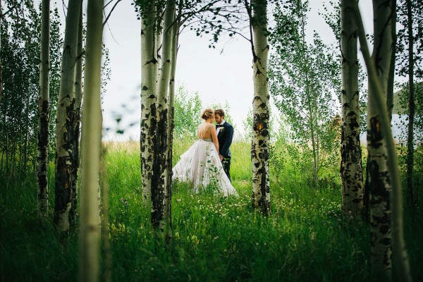 Glamorous-Colorado-Wedding-at-Strawberry-Creek-Ranch (19 of 32)