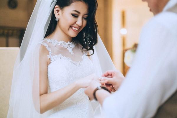 Gorgeous-Intimate-San-Francisco-City-Hall-Wedding-Danila-Mednikov-Photography-16