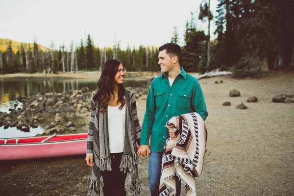 Mountain-Backdrop-Engagement-Photos-at-Sparks-Lake-Natalie-Puls-Photography-14