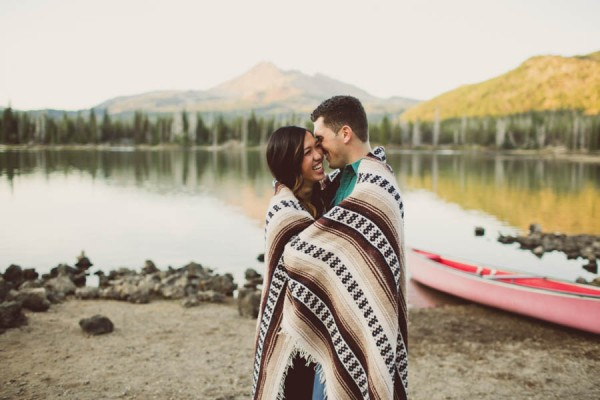 Mountain-Backdrop-Engagement-Photos-at-Sparks-Lake-Natalie-Puls-Photography-15