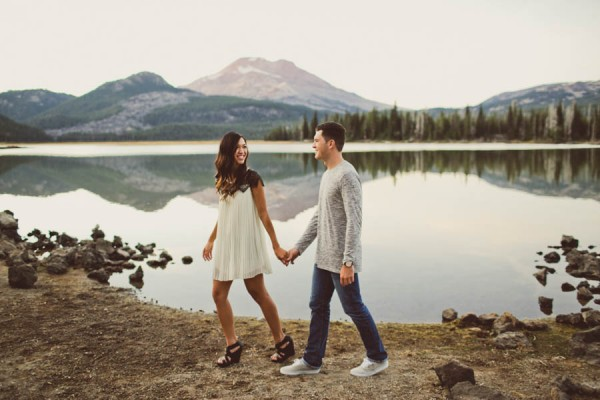 Mountain-Backdrop-Engagement-Photos-at-Sparks-Lake-Natalie-Puls-Photography-18