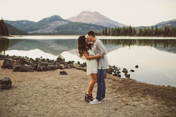 Mountain-Backdrop-Engagement-Photos-at-Sparks-Lake-Natalie-Puls-Photography-19