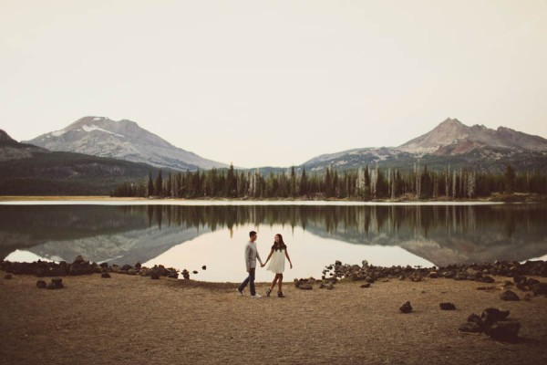 Mountain-Backdrop-Engagement-Photos-at-Sparks-Lake-Natalie-Puls-Photography-23