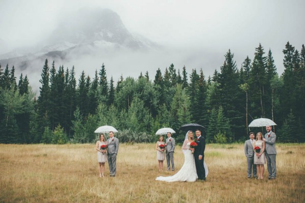 Rainy-Mountain-Wedding-in-Quarry-Lake-Park-Joelsview-Photography-13