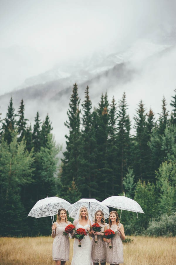 Rainy-Mountain-Wedding-in-Quarry-Lake-Park-Joelsview-Photography-15