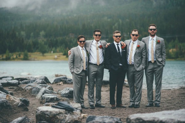 Rainy-Mountain-Wedding-in-Quarry-Lake-Park-Joelsview-Photography-17