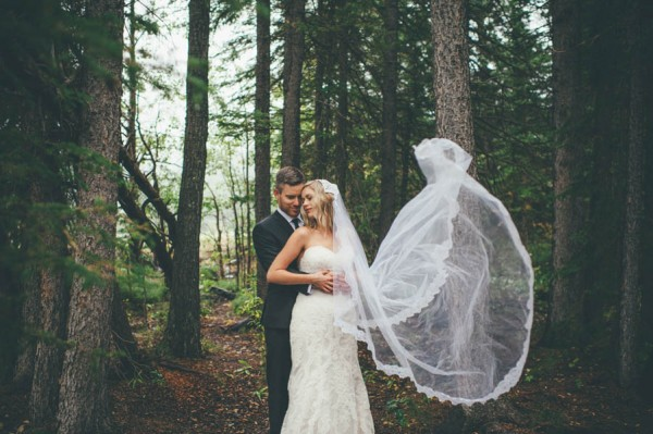 Rainy-Mountain-Wedding-in-Quarry-Lake-Park-Joelsview-Photography-23
