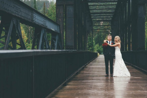 Rainy-Mountain-Wedding-in-Quarry-Lake-Park-Joelsview-Photography-26